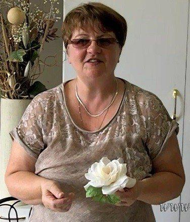«Первая web-школа шелковой флористики — SilkFlora» представляет художника модельера по цветам из ткани Надежду Череда