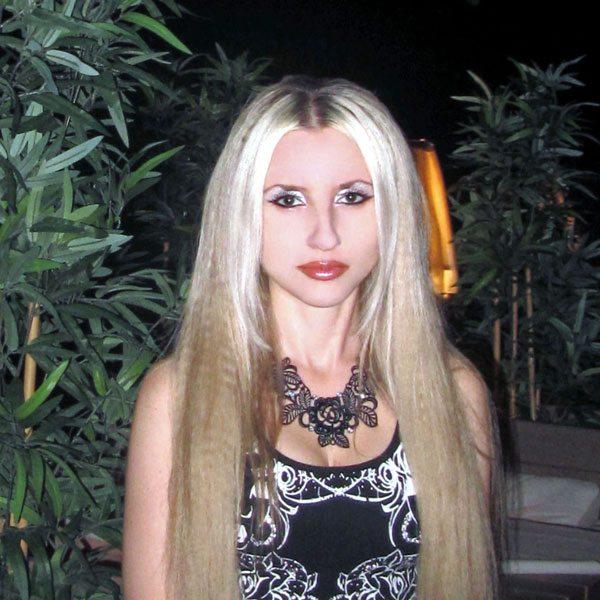 Yuliya-Dudnikova-tanjobana