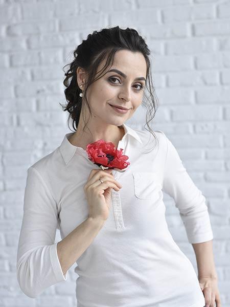 anna-ushakova
