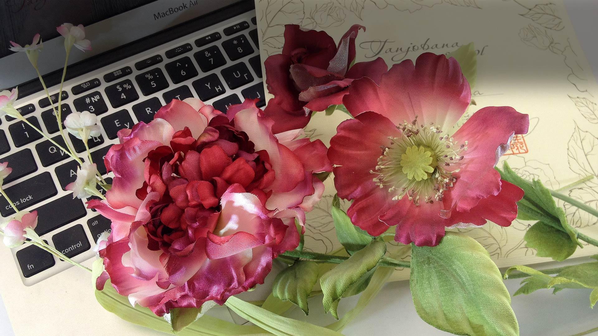 Как сделать цветок из шелка в японской технике?