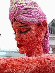 скульптура из цветов