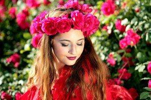girl-1403418__340