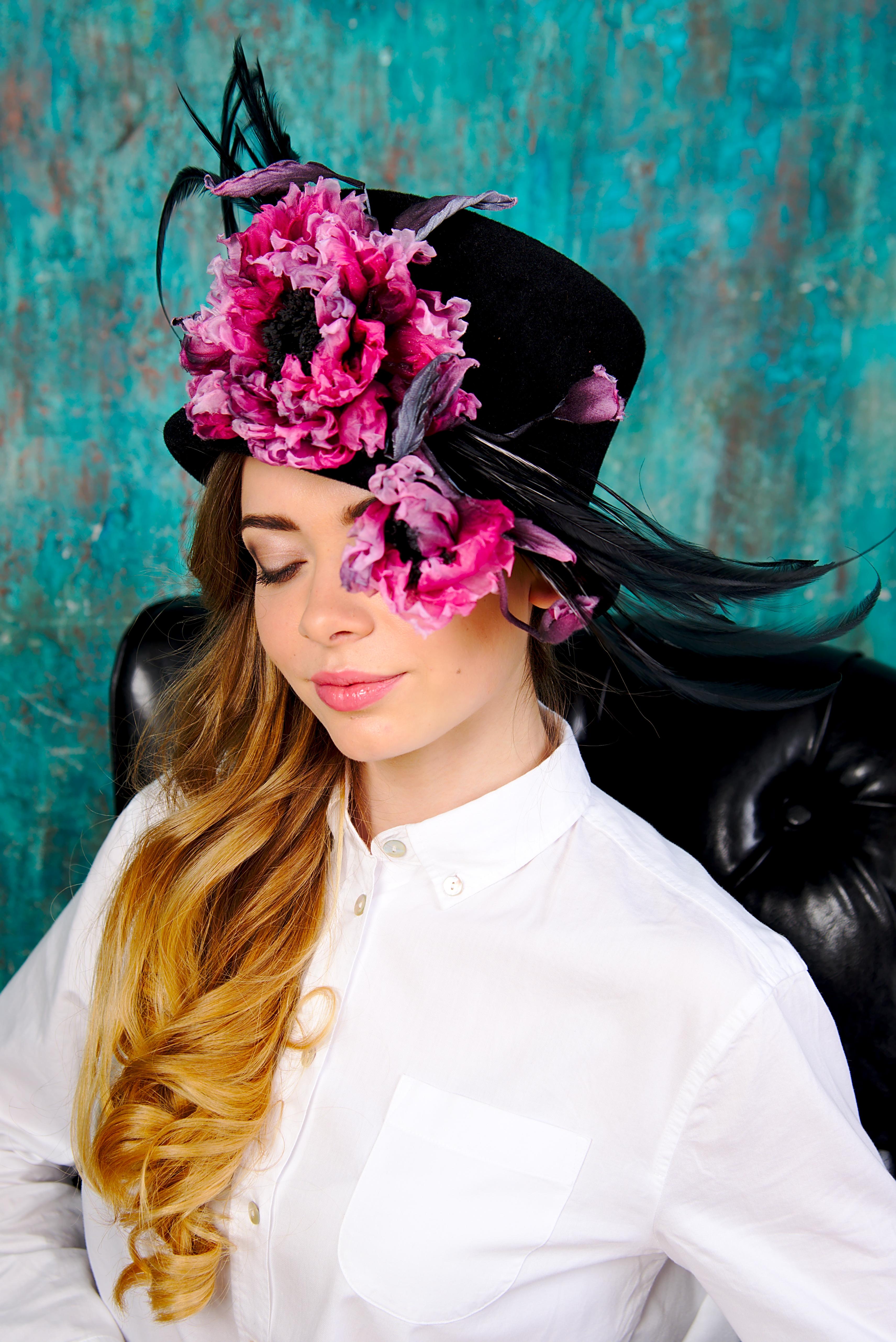 Цветы из шелка – красивое хобби и дело, приносящее доход для женщин