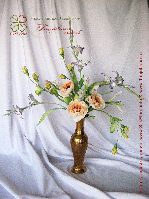 Конкурсный букет цветов из шелка от Галины Татарска
