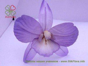 орхидея из шелка