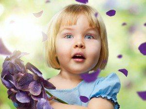 Орхидея, девочка и цветок