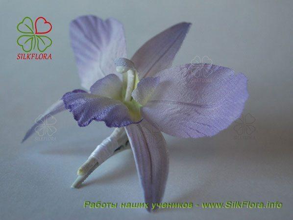 Орхидея из шелка работы Анастасии Ярошенко
