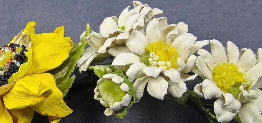как сделать цветы ромашек из кожи