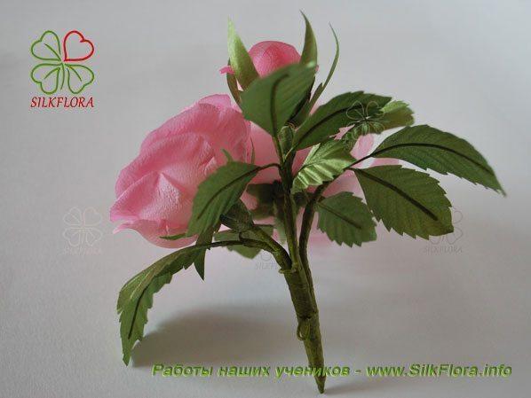 Роза из шелка работы Анастасии Ярошенко