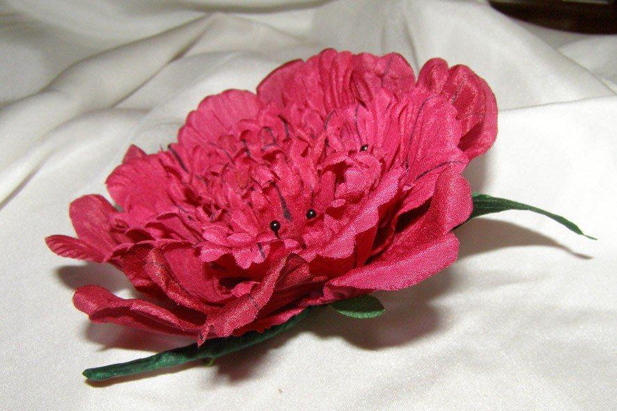 Конкурс шелковых цветов SilkFlora 2011. «Поцелуй лета» — пион из шелка