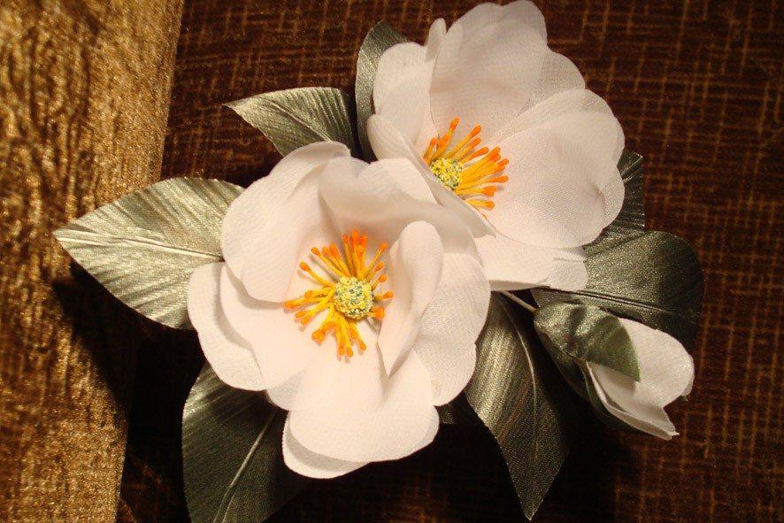 Конкурс шелковых цветов SilkFlora 2011. «Ожидание весны» — Цветы шиповника из шелка